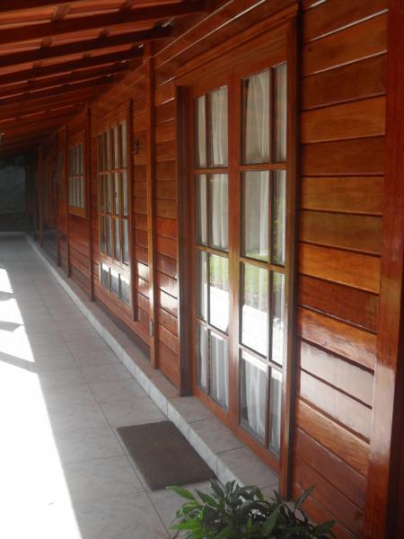 Envernizamento de Casas de Madeira
